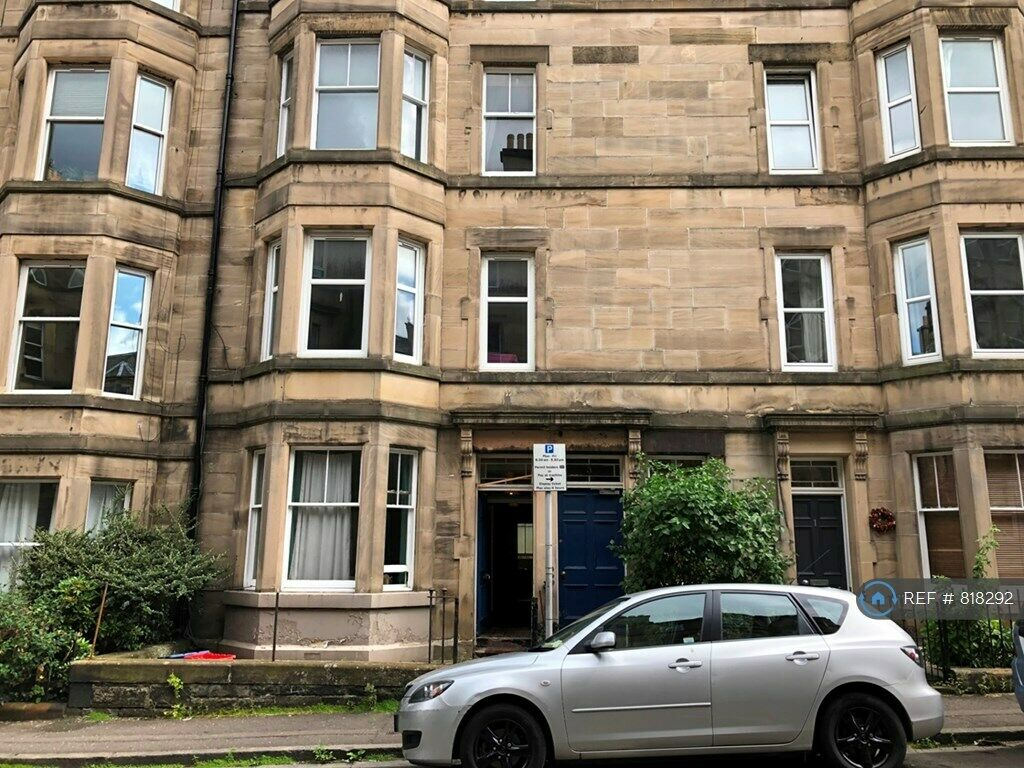 3 bedroom flat in Mertoun Place, Edinburgh, EH11 (3 bed ...