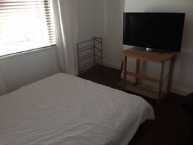 DOUBLE ROOM TO RENT IN QUIET HOUSE