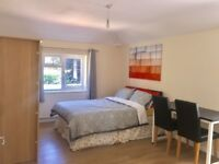 Newly Refurbished House with a fully furnished Double en suite Bedroom Available