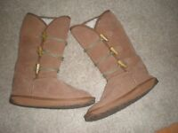 EMU BOOTS SIZE 4