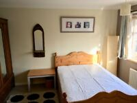 Large, Bright Double, Great house. Close to Piccadilly & Metropolitan lines.