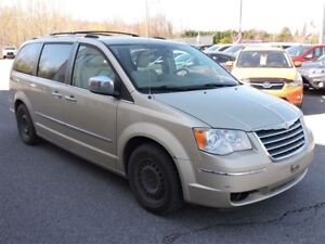 2010 Chrysler Town & Country LIMITED / CUIR /