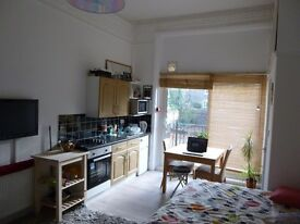 Clean bright studio NW6. Short let: January 7th to March 7th 2017