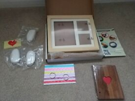 Brane new BABY HAND & FOOTPRINT PICTURE FRAME KIT with Photo Album,Perfect Wooden Keepsakes