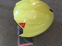 Junior ski helmet, Dainese. Yellow size 54 JM. From warehouse clearance