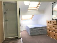 Lovely ensuite room available in Openshaw