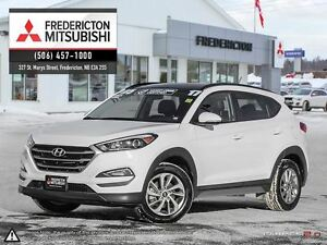 2017 Hyundai Tucson SE! AWD! HEATED LEATHER! PANO ROOF!