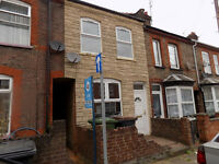 Refurbished 3 Bed House, Biscot / Leagrave area, close to Schools, Colleges, Shops, NO DSS.