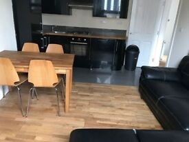 Modern 3 Bed 2 Bath In Kentish Town with private roof terrace.