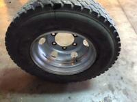 Ford cargo 7.5 ton wheel with tyre