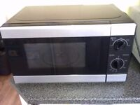 TESCO SOLO 700 WATT MICROWAVE FOR SALE. COULD DELIVER.