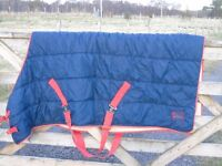 Polywarm stable rug 5ft 3 very good condition washed warm rug
