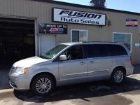 2013 Chrysler Town & Country Touring-L--LEATHER-BACK UP CAMERA Windsor Region Ontario Preview