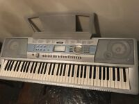Yamaha DGX-200 Electric Keyboard
