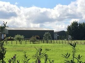 Barns/units to let on secure yard. Storage, manufacturing, Commercial