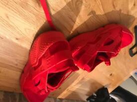 Nike huaraches and Nike yeezys for sale £20 each