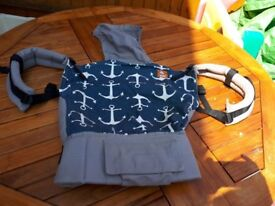 Tula toddler carrier beige/navy almost new