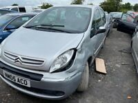 Citroen Picasso breaking parts available