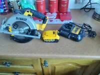 Dewalt circular saw new with 4amp battery and charger