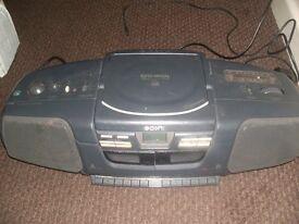 sony cd/cassette player/radio