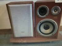 Sanyo Stereo speakers