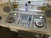 Pioneer CDJ 2000 NXS2 Pair DJM 900 NXS2 White Limited Edition - New / Boxed