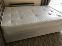 Like NEW Double divan bed with mattress