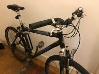 Raleigh Hybride Bike w/ Lock and Inner Tube Spares