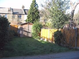 AVAILABLE 2 BEDS HOUSE IN KINGSTON KT3!!!IT HAS PRIVATE GARDEN