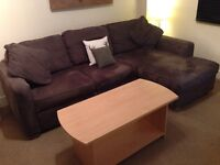 BEAUTIFUL CORNER SOFA FOR SALE, EASILY TRANSFORMS INTO A DOUBLE BED, WITH STORAGE BOX!