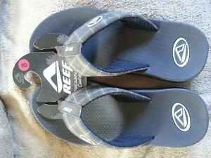 (1) PAIR OF BRAND NEW REEF PHANTOM SANDALS