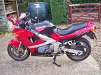 KAWASAKI 2000 KAWASAKI ZZR600 20850MILES