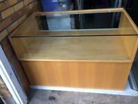 Shop glass display unit