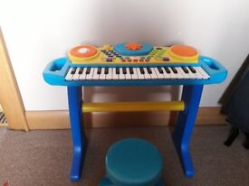 Childs keyboard and stool