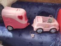 Baby born horse box and car