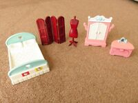 DOLLS HOUSE WITH LITTLE TIKES FURNITURE