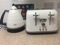 White Delonghi Kettle & Toaster