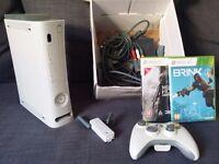 Xbox 360 60GB + WiFi + Controller + 2 Games