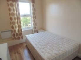++++++ FUNRISHED DOUBLE ROOM WITH OWN SHOWER AND TOILET. ALL BILLS INCLUDED+++