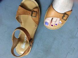 Clarks originals sandals size 6.5