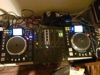 Denon DJ DN-HS 5500 of USB pair of turntables decks not CDJ media controller