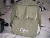 COTTON TRADER BACK PACK, GOOD SIZE. AS NEW CONDITION, GOOD FOR A PRESENT