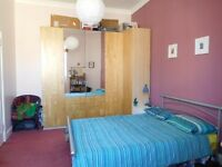 A VERY CHARMING, SPACIOUS & FURNISHED 1 DOUBLE BEDROOM FLAT on 3rd FLOOR