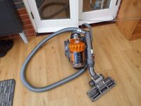 DYSON DC 22 STOWAWAY WOOD+WOOL EXCELENT CONDITION AND STRONG SUCTION