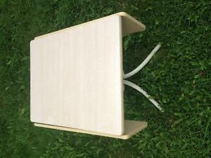 Table and 2 chairs - $60 St. John's Newfoundland image 2