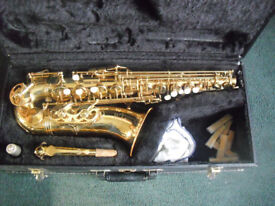 saxaphone evette buffet crampon. good condition spare reeds and hard case