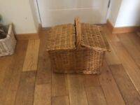 Picnic Basket. Very good condition. Strong with carrying handle.