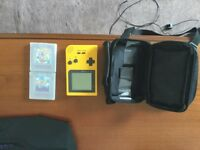 Gameboy Colour - Yellow (Super Mario Land + Super Mario Land 6 Golden Coins) And Travel Case