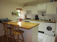 LOVELY ONE BEDROOM FLAT ON GREAT WEST ROAD WITH ACCESS TO SOUTH EALING STATION £1025 PCM