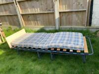 Single foldable bed with mattress